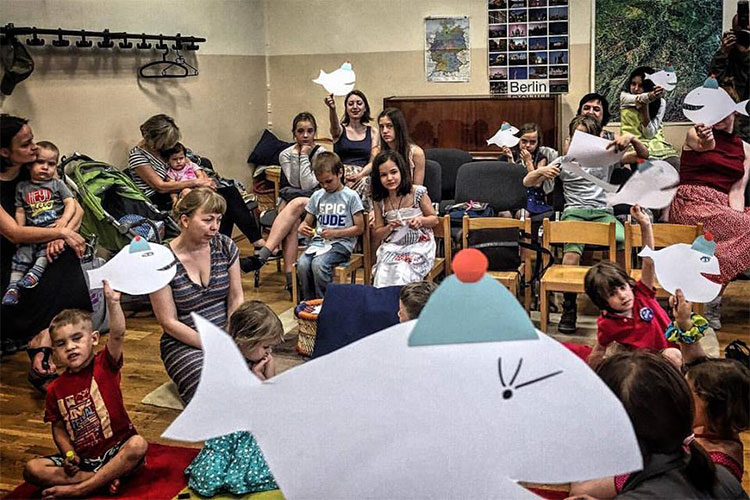 """Schriftstellerin Kateryna Babkina und """"eine Million für Tabletochki-Stiftung"""""""